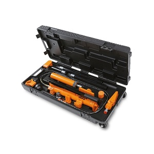 1365/K13 Oil pressure pump, 10 t, and bodywork accessories kit in handy trolley